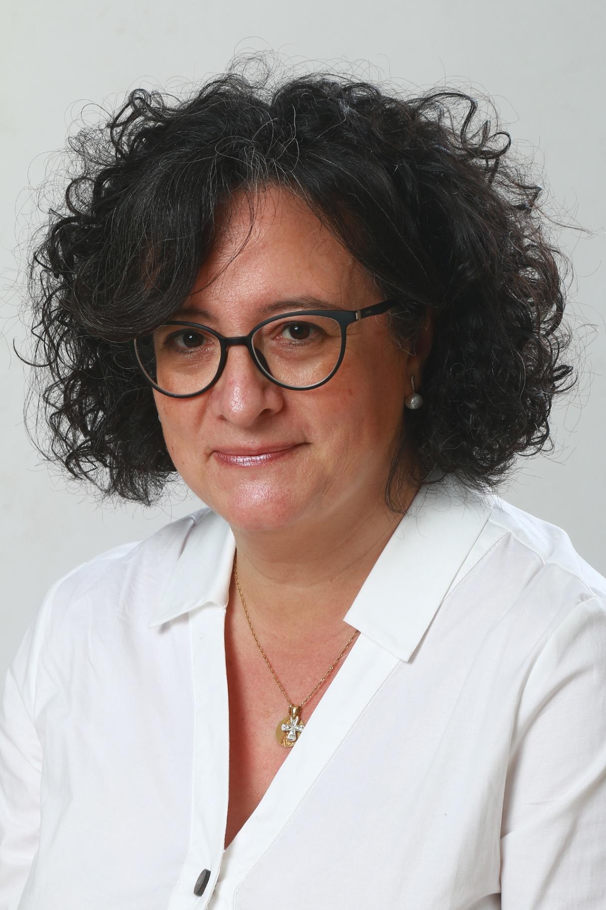 Dña. Mª Mar Gómez